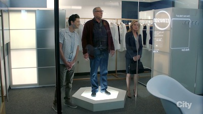 Modern Family 09x22 : Clash of Swords- Seriesaddict